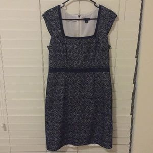 Ann Taylor embroidered cotton shift dress size 6